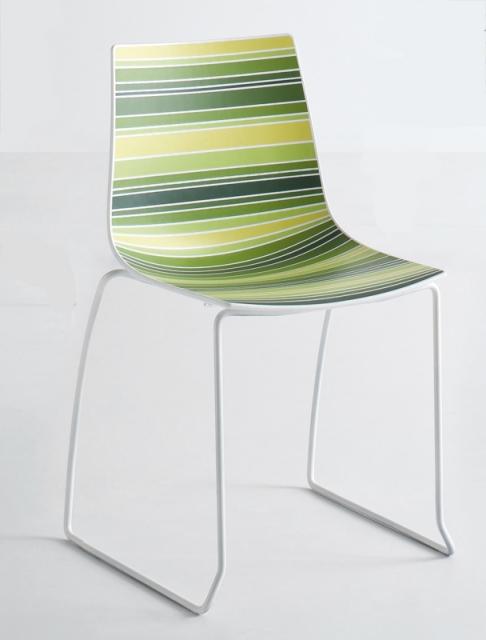 Дизайнерски стол разноцветен