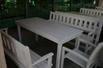 дървена маса с две пейки и 1 стол за механа и кръчма