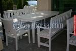 битова маса с две пейки и един стол по поръчка