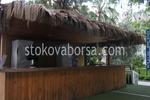 изграждане на летен бар с покрив от тръстика по поръчка